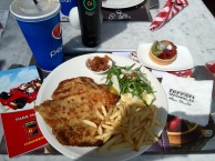 Enjoyable main,drink and dessert comes to 125 AED = 35 USD