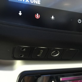 USB, earphones connection