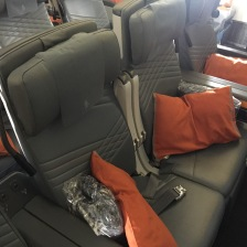 Handrest in middle two seats goes up…good for travelling couples